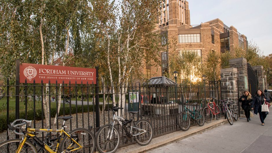 Experts flunk local NY colleges for failure to report on COVID-19