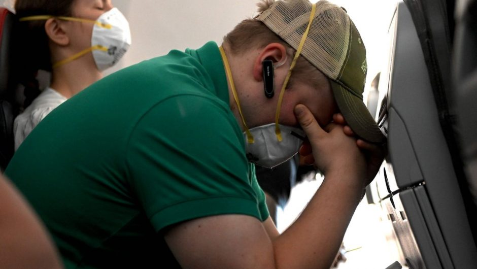 Didn't hear from contact tracers about that guy coughing on your flight? You might not – even if he had COVID-19