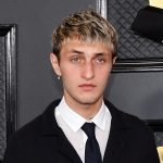 Anwar Hadid says he 'absolutely' won't take the COVID-19 vaccine and defends himself amid backlash from fans